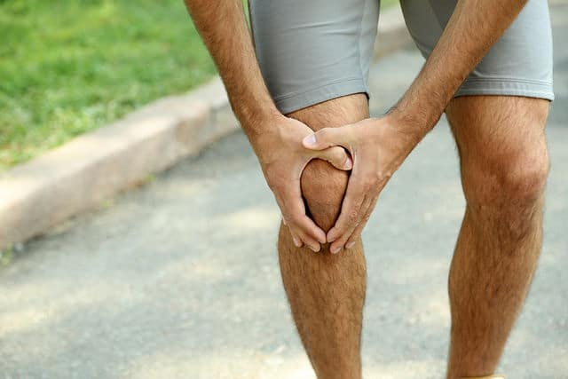 runner dealing iotibial Band Syndrome