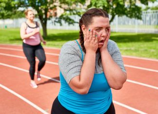 woman finding it diffiuct to run